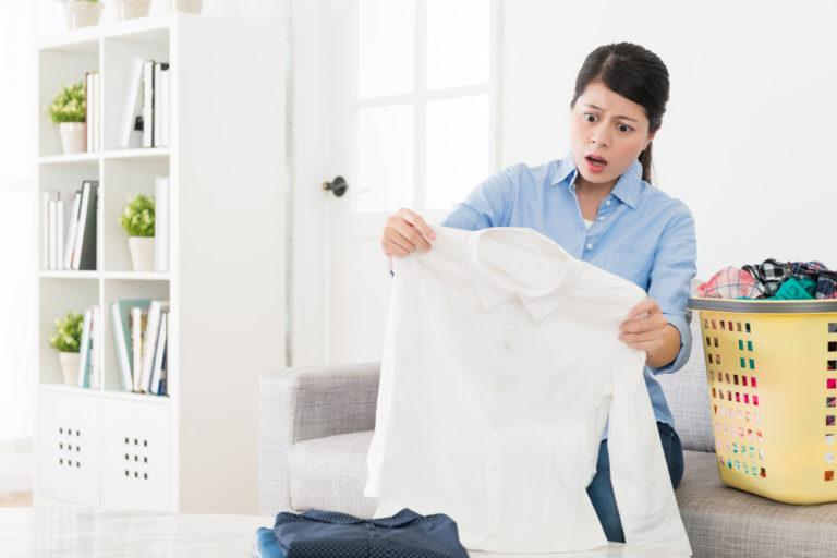 洋服についた白髪染めを落とすには?