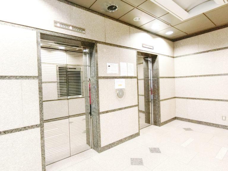 KMクリニック-エレベーター前