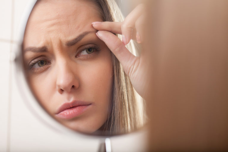 眉毛への副作用