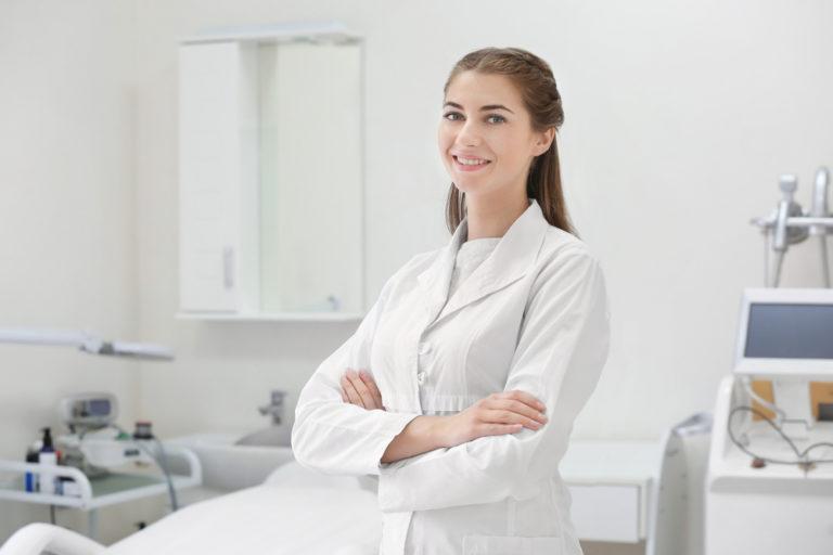 皮膚科医の画像