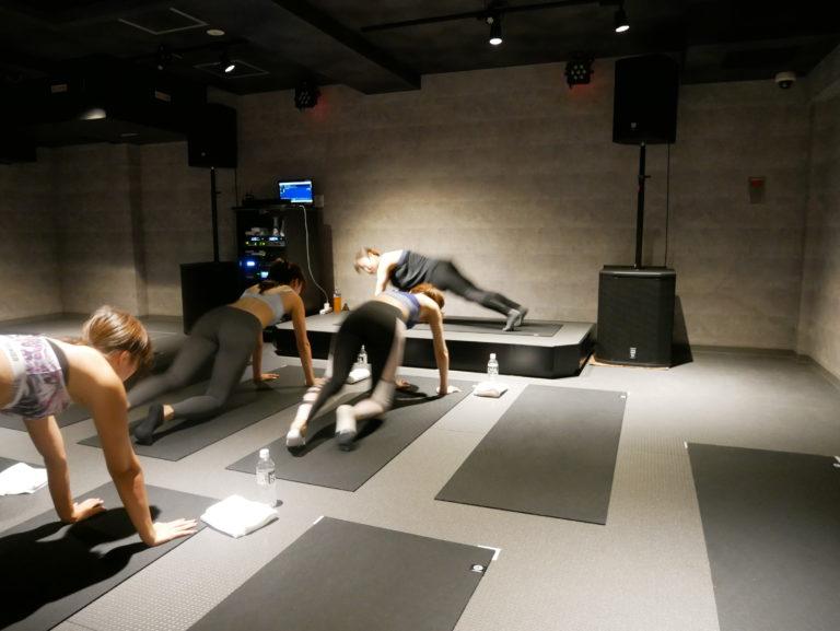 暗闇フィットネス-エクスパ-お尻トレーニング2