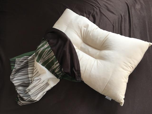 枕カバーを外した枕