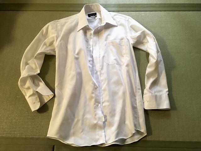 洗濯前のワイシャツ